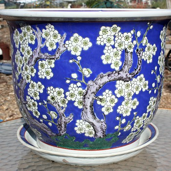Large, hand-decorated flower pot - Japanese? Chinese? - Asian