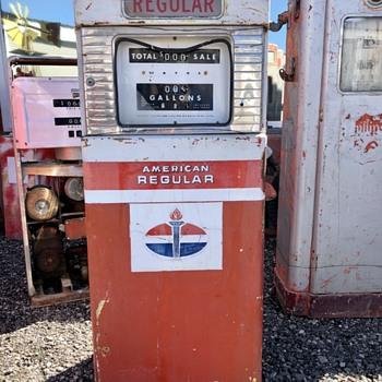Another American Gas Pump - Petroliana