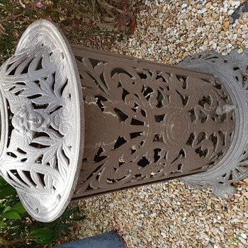 """Omega"" Ornate Cast Iron Gas Stove - Kitchen"