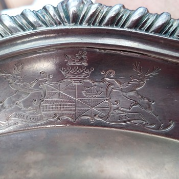 HELP IDENTIFY ENGLISH COAT OF ARMS ON STERLING TRAY