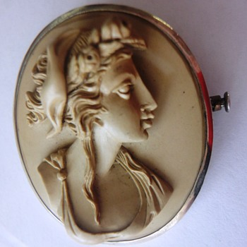 19s Lava Cameo brooch set in silver. - Fine Jewelry