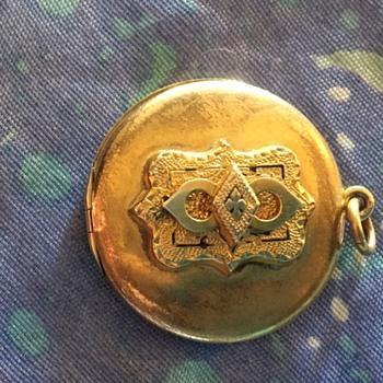 W & H co locket - Fine Jewelry