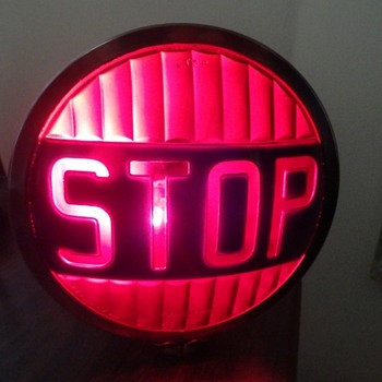 Vintage Glass Yankee Stop Light. - Classic Cars