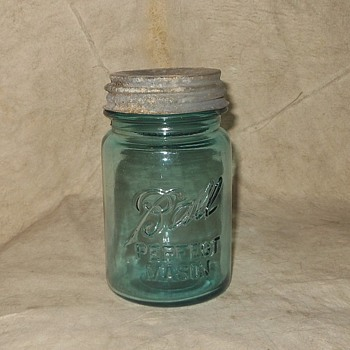 Vintage Ball Jar With Vintage Atlas Lid 1923-1933 - Bottles