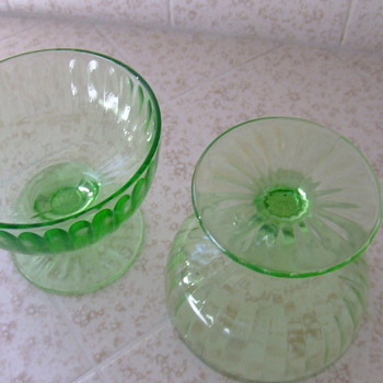 Little green cups - Glassware