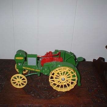 John Deere Tractors - Model Cars