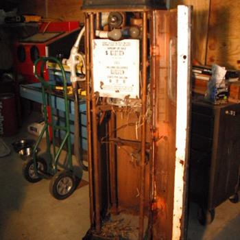 My first gas pump restoration - Petroliana