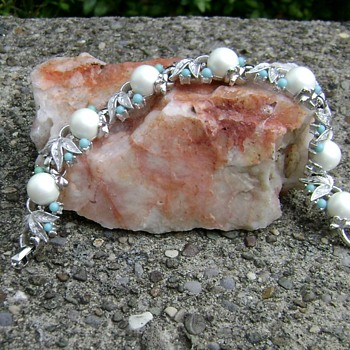 Sarah Coventry Bracelet - Alaskan Summer - Costume Jewelry