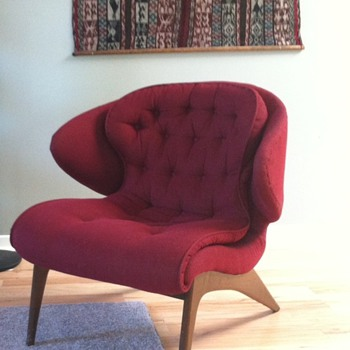 Vintage Unidentified Chair.  - Furniture