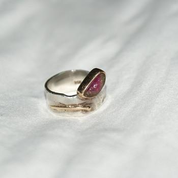 Unusual Ring Marked B Long 14 K - Fine Jewelry