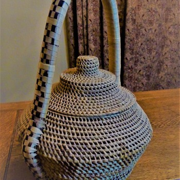 Lidded Basket with Open Weave - Furniture