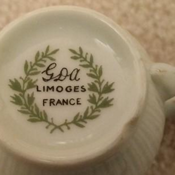 Limoge France 1920's: Does anybody know anything about this set?Can't find anywhere how rare is it? - China and Dinnerware
