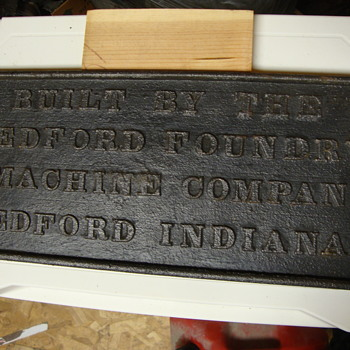 VINTAGE CAST IRON ADVERTISING PIECE....BEDFORD INDIANA - Advertising