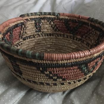 Native American basket (?) - Furniture