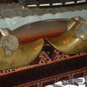 Early Spanish Colonial Conquistador Solid Brass Stirrups - Military and Wartime