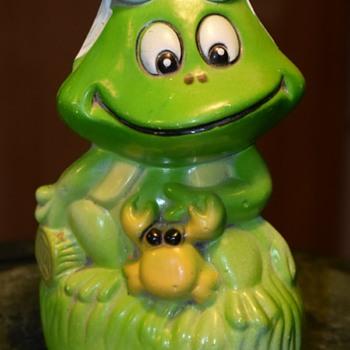 Frog Bank - Animals