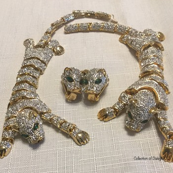 Tigers — Articulating Brooch, Bracelet & Earring Set - Costume Jewelry