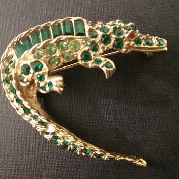Pell alligator brooch  - Animals