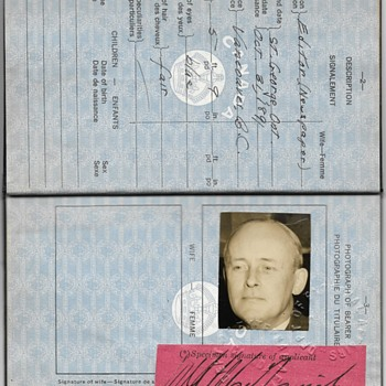 beautiful 1941 officially used Canadian passport  - Paper