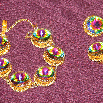 Elsa Schiaparelli set - Can anyone help with the value of these pieces? - Costume Jewelry