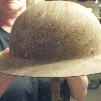 mystery helmet - Military and Wartime