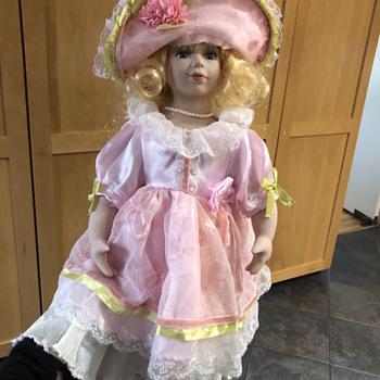 Help identify doll - Dolls