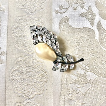 My Favorite Schiaparelli Brooch with Clear Rhinestones and a Teardrop Pearl - Costume Jewelry