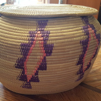 Hand woven basket - Furniture