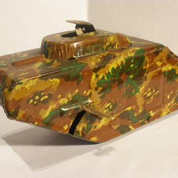 German WWI style tinplate tank, 1920s or early 1930s. Unknown Maker.  - Model Cars