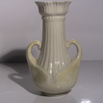 "Belleek Pottery (Irish), Delicate vase with Handle"" After 1946 to 1980 - Pottery"