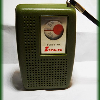 Vintage Pocket Radio -- Strauss