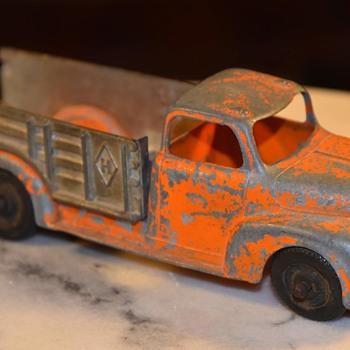Hubley Truck - Model Cars
