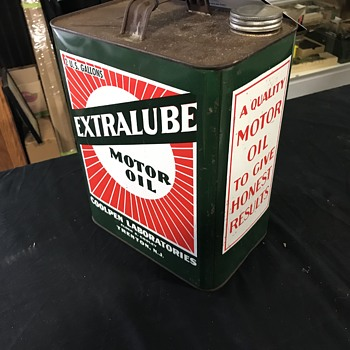 Extralube motor oil 2 gallon  can  - Petroliana