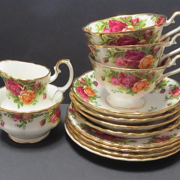 Royal Albert - Old Country Roses - Avon Shape - China and Dinnerware