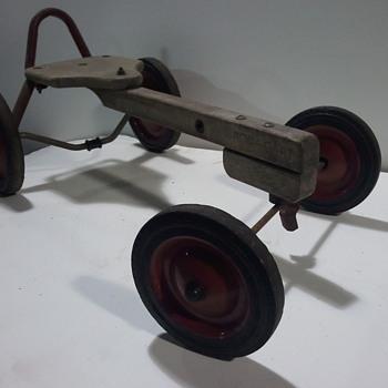 Radio Flyer Row Cart - Model Cars