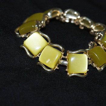 Vintage Coro Bracelet - Costume Jewelry
