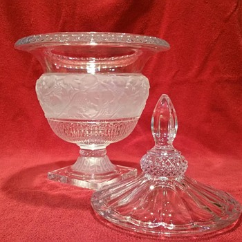 Shannon Crystal Urn - Glassware