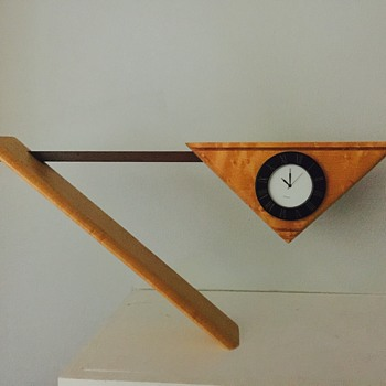 Cool balancing clock - Clocks
