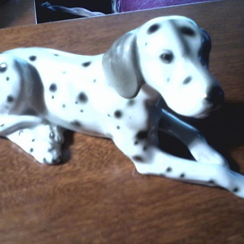 """ Wein Keramos"" Austrian Porcelain / ""Reclining Dalmatian"" Figurine / Beautifully Sculpted ! - Figurines"