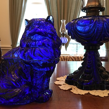 Cobalt Blue Glass Persian Cat-ainer - Animals
