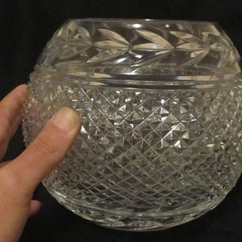 Cut glass, crystal pieces from old lady - Glassware