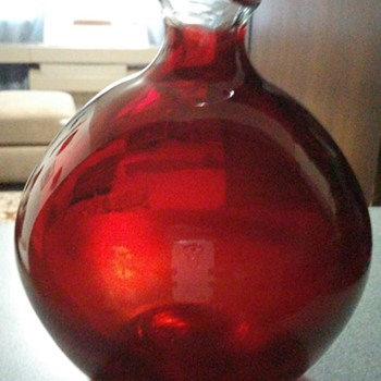Labino art glass vase