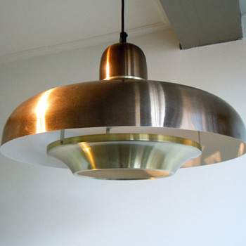 Space ship ceiling lights
