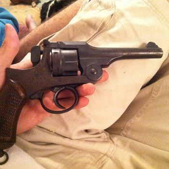 Type 26 revolver - Military and Wartime