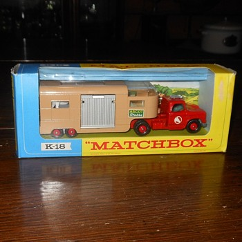 Mega Matchbox Monday K-18 Articulated Horse Box - Model Cars