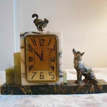 Cat and Dog Standoff Marble Art Deco Alarm Clock 1920's - Art Deco