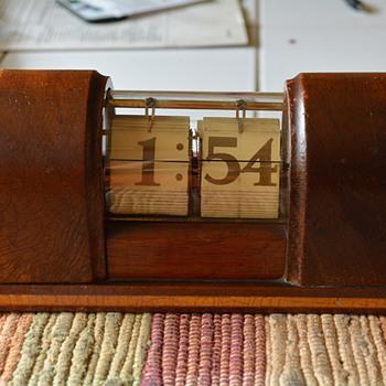 "New Haven Flip Clock,""Stylis Timepiece"", 1937 - Art Deco"