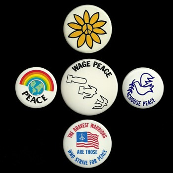 5 more Vietnam era / Peace Pinback Button's 8/23