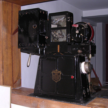 Graphoscope Jr. Movie Projector