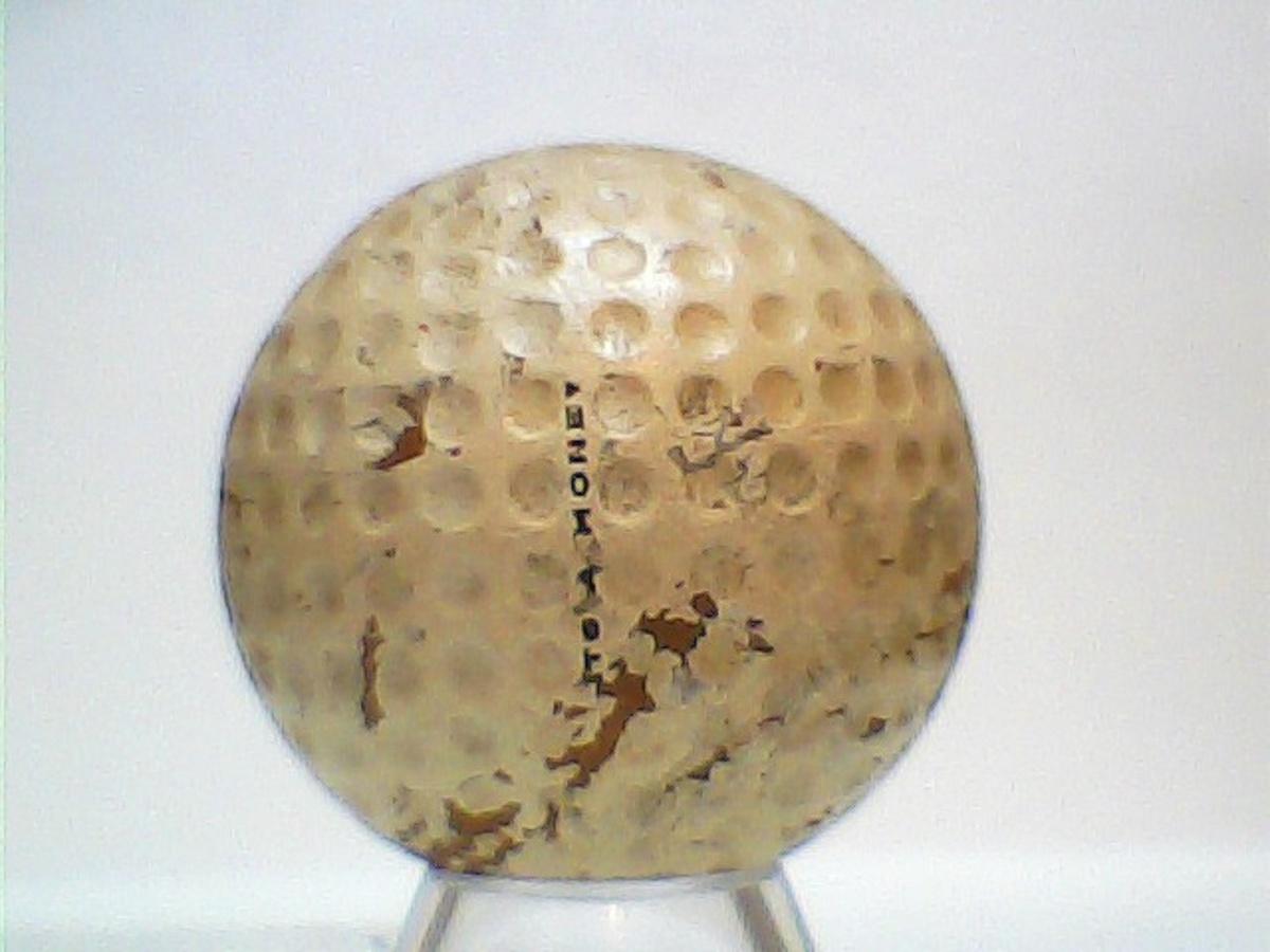 The Very Rare Walter Hagen Honey Centered Golf Balls  df7336d5b05